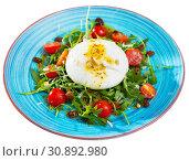 Купить «Burrata salad with arugula and tomatoes», фото № 30892980, снято 22 июля 2019 г. (c) Яков Филимонов / Фотобанк Лори