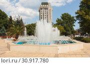 Купить «VARNA, BULGARIA - AUGUST 14, 2015: Fountain on boulevard of princes Maria-Luiza near City Council», фото № 30917780, снято 14 августа 2015 г. (c) ИВА Афонская / Фотобанк Лори