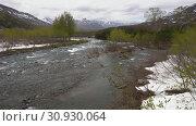 Купить «Горная река ранней весной», видеоролик № 30930064, снято 13 июня 2019 г. (c) А. А. Пирагис / Фотобанк Лори