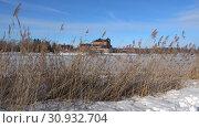 Купить «На берегу озера Ванаявеси солнечным мартовским днем. Хамеенлинна, Финляндия», видеоролик № 30932704, снято 2 марта 2019 г. (c) Виктор Карасев / Фотобанк Лори