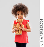 Купить «sad little african american girl with teddy bear», фото № 30933764, снято 9 марта 2019 г. (c) Syda Productions / Фотобанк Лори