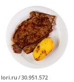 Купить «Appetizing beef steak with potatoes», фото № 30951572, снято 26 июня 2019 г. (c) Яков Филимонов / Фотобанк Лори