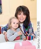 Ирина Муромцева с дочкой (2015 год). Редакционное фото, фотограф Ольга Зиновская / Фотобанк Лори