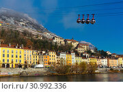 Aerial view of Grenoble with French Alps and cable car (2017 год). Стоковое фото, фотограф Яков Филимонов / Фотобанк Лори