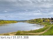 Купить «Oka river in Tarusa, Russia», фото № 31011308, снято 4 мая 2019 г. (c) Boris Breytman / Фотобанк Лори