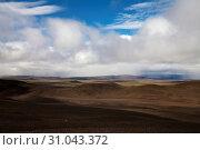 Купить «Wuestenhafte, bergige Landschaft mit Licht und Schatten, Moedrudalsfjallgardur, Hochland, Island, Europa», фото № 31043372, снято 21 января 2020 г. (c) age Fotostock / Фотобанк Лори