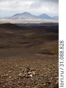 Купить «Wuestenhafte, bergige Landschaft mit Licht und Schatten, Moedrudalsfjallgardur, Hochland, Island, Europa», фото № 31088828, снято 21 января 2020 г. (c) age Fotostock / Фотобанк Лори