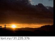 Купить «Romantischer Sonnenuntergang trotz heftigem Sturm - Wetterkapriole», фото № 31235376, снято 1 июня 2020 г. (c) easy Fotostock / Фотобанк Лори