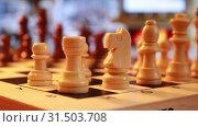 Шахматные фигуры. Стоковое видео, видеограф Виктор Топорков / Фотобанк Лори