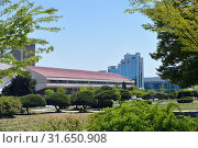 Купить «North Korea, Pyongyang architecture», фото № 31650908, снято 1 мая 2019 г. (c) Знаменский Олег / Фотобанк Лори