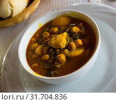 Купить «Stew from chard with garbanzo», фото № 31704836, снято 23 июля 2019 г. (c) Яков Филимонов / Фотобанк Лори
