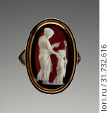 Cameo set in a modern ring, Roman Empire, 100-1 B.C, Sardonyx, 2.1 cm (13,16 in.) (2018 год). Редакционное фото, фотограф © Liszt Collection / age Fotostock / Фотобанк Лори