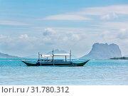 Купить «Amazing scenic view of sea bay and mountain islands, Palawan, Philippines», фото № 31780312, снято 15 ноября 2019 г. (c) easy Fotostock / Фотобанк Лори