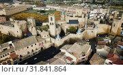 Купить «Towers of castle Palacio Real de Olite. Spain», видеоролик № 31841864, снято 20 декабря 2018 г. (c) Яков Филимонов / Фотобанк Лори