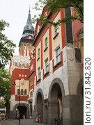 Купить «Городская ратуша в стиле венгерского модерна в городе Суботице в Сербии», фото № 31842820, снято 31 августа 2012 г. (c) Солодовникова Елена / Фотобанк Лори