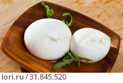 Купить «Italian cheese burrata with arugula», фото № 31845520, снято 19 августа 2019 г. (c) Яков Филимонов / Фотобанк Лори