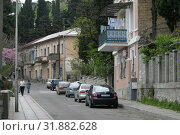 Купить «Крым, жилые дома большой Ялты», эксклюзивное фото № 31882628, снято 13 мая 2005 г. (c) Дмитрий Неумоин / Фотобанк Лори