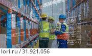 Купить «Warehouse workers 4k», видеоролик № 31921056, снято 5 марта 2019 г. (c) Wavebreak Media / Фотобанк Лори