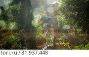 Купить «Woman hiking in the forest», видеоролик № 31937448, снято 17 апреля 2019 г. (c) Wavebreak Media / Фотобанк Лори