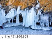 Купить «Icicles on Lake Baikal», фото № 31956868, снято 7 марта 2017 г. (c) Юлия Белоусова / Фотобанк Лори