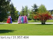 Купить «Pyongyang, North Korea. People», фото № 31957404, снято 2 мая 2019 г. (c) Знаменский Олег / Фотобанк Лори