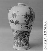 Купить «Vase, Qing dynasty (1644–1911), late 18th–first half of the 19th century, China, Porcelain painted in underglaze blue, H. 9 1/2 in. (24.1 cm), Ceramics», фото № 31974400, снято 9 мая 2017 г. (c) age Fotostock / Фотобанк Лори