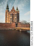 Купить «Entrance and bridge to Rosenborg Castle», фото № 31994864, снято 10 декабря 2017 г. (c) EugeneSergeev / Фотобанк Лори