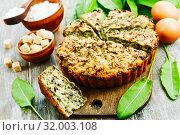 Купить «Sweet cake with sorrel», фото № 32003108, снято 21 мая 2019 г. (c) Надежда Мишкова / Фотобанк Лори