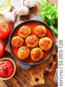 Купить «Meatballs in tomato sauce», фото № 32003128, снято 26 июня 2019 г. (c) Надежда Мишкова / Фотобанк Лори