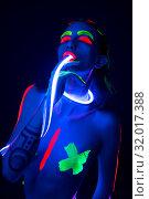 Girl with ultraviolet color pattern bodyart view. Стоковое фото, фотограф Гурьянов Андрей / Фотобанк Лори