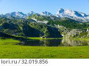 Купить «Highland Lakes of Covadonga summer landscape», фото № 32019856, снято 15 июля 2019 г. (c) Яков Филимонов / Фотобанк Лори