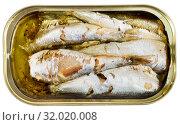 Купить «Open can of sardines in oil», фото № 32020008, снято 17 августа 2019 г. (c) Яков Филимонов / Фотобанк Лори