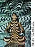 Купить «Naked woman sitting in lotus posture in contrast figure light», фото № 32058232, снято 22 июля 2019 г. (c) Гурьянов Андрей / Фотобанк Лори