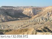 Amazing landscape of Ein Avdat and Zin Valley. Negev, desert and semidesert region of southern Israel. Hot summer 2019. Стоковое фото, фотограф Валерия Попова / Фотобанк Лори
