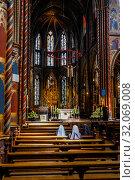 Купить «Altar of the Candle Chapel, Kevelaer, North Rhine-Westphalia, Germany», фото № 32069008, снято 5 мая 2019 г. (c) Caro Photoagency / Фотобанк Лори