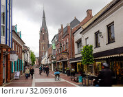 Купить «Shopping street with Marienbasilika, Kevelaer, North Rhine-Westphalia, Germany», фото № 32069016, снято 5 мая 2019 г. (c) Caro Photoagency / Фотобанк Лори