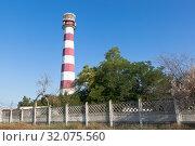 Купить «Евпаторийский маяк—самый высокий маяк России в посёлке Заозерное, Евпатория, Крым», фото № 32075560, снято 20 июля 2019 г. (c) Николай Мухорин / Фотобанк Лори