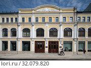 Москва фасад дома 3/8 на Ильинке (2019 год). Редакционное фото, фотограф Дмитрий Неумоин / Фотобанк Лори