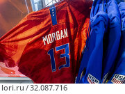 Nike USWNT soccer jerseys celebrating the win by the women's national soccer team in the Women's World Cup in the Nike store in New York on Sunday, July 7, 2019. (© Richard B. Levine). Редакционное фото, фотограф Richard Levine / age Fotostock / Фотобанк Лори