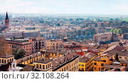 Travel to Italy - above view of Verona town with lungadige street from tower Torre dei Lamberti in spring. Стоковое фото, фотограф Zoonar.com/Valery Voennyy / easy Fotostock / Фотобанк Лори