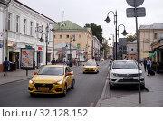 Купить «Москва. Пятницкая улица.», фото № 32128152, снято 4 сентября 2019 г. (c) Юлия Перова / Фотобанк Лори