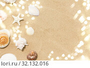 Купить «seashells on beach sand», фото № 32132016, снято 27 июня 2018 г. (c) Syda Productions / Фотобанк Лори