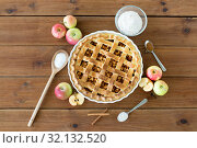 Купить «close up of apple pie on wooden table», фото № 32132520, снято 23 августа 2018 г. (c) Syda Productions / Фотобанк Лори