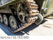 Купить «Caterpillar of the Russian armored tank», фото № 32153500, снято 5 мая 2018 г. (c) FotograFF / Фотобанк Лори