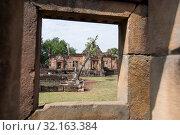 The khmer Temple Ruins of Prasat Muang Tam in the province of Buri Ram in Isan in Northeast thailand. Thailand, Buriram, November, 2017. Стоковое фото, фотограф Zoonar.com/URS FLUEELER / age Fotostock / Фотобанк Лори