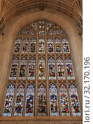 Stained glass window of Bath Abbey (2017 год). Редакционное фото, фотограф EugeneSergeev / Фотобанк Лори