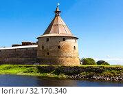 Купить «Historical Oreshek fortress is an ancient Russian fortress», фото № 32170340, снято 8 августа 2018 г. (c) FotograFF / Фотобанк Лори