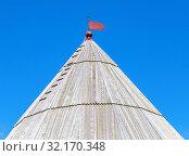 Купить «Dome tower of ancient Oreshek fortress», фото № 32170348, снято 8 августа 2018 г. (c) FotograFF / Фотобанк Лори