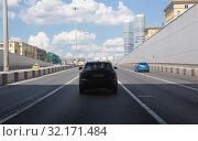 Traffic in big city. Стоковое фото, фотограф Юрий Бизгаймер / Фотобанк Лори