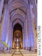 Купить «Cathedral of Saint John Divine, cathedral of Episcopal Diocese, New York City. Interior», фото № 32175048, снято 7 мая 2019 г. (c) Валерия Попова / Фотобанк Лори
